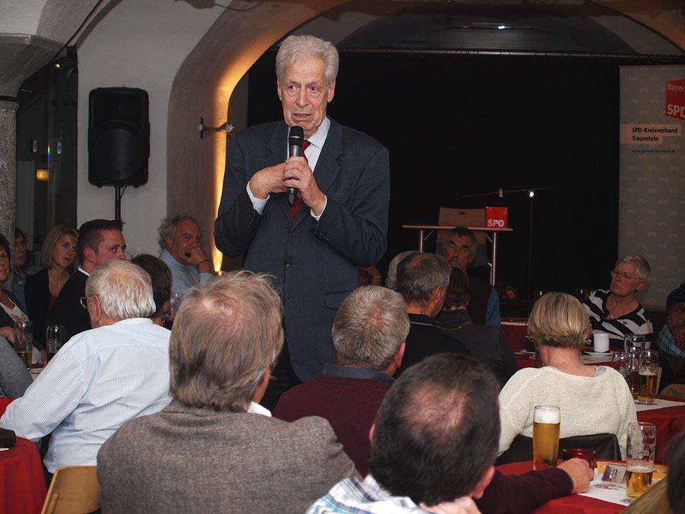 Henning Scherf im Postsaal-Gewölbe.