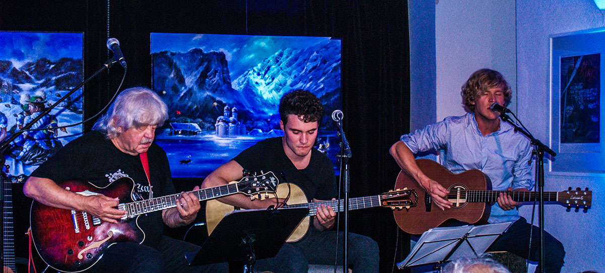 Three Blue Guitars beim Kunstmeilenkonzert