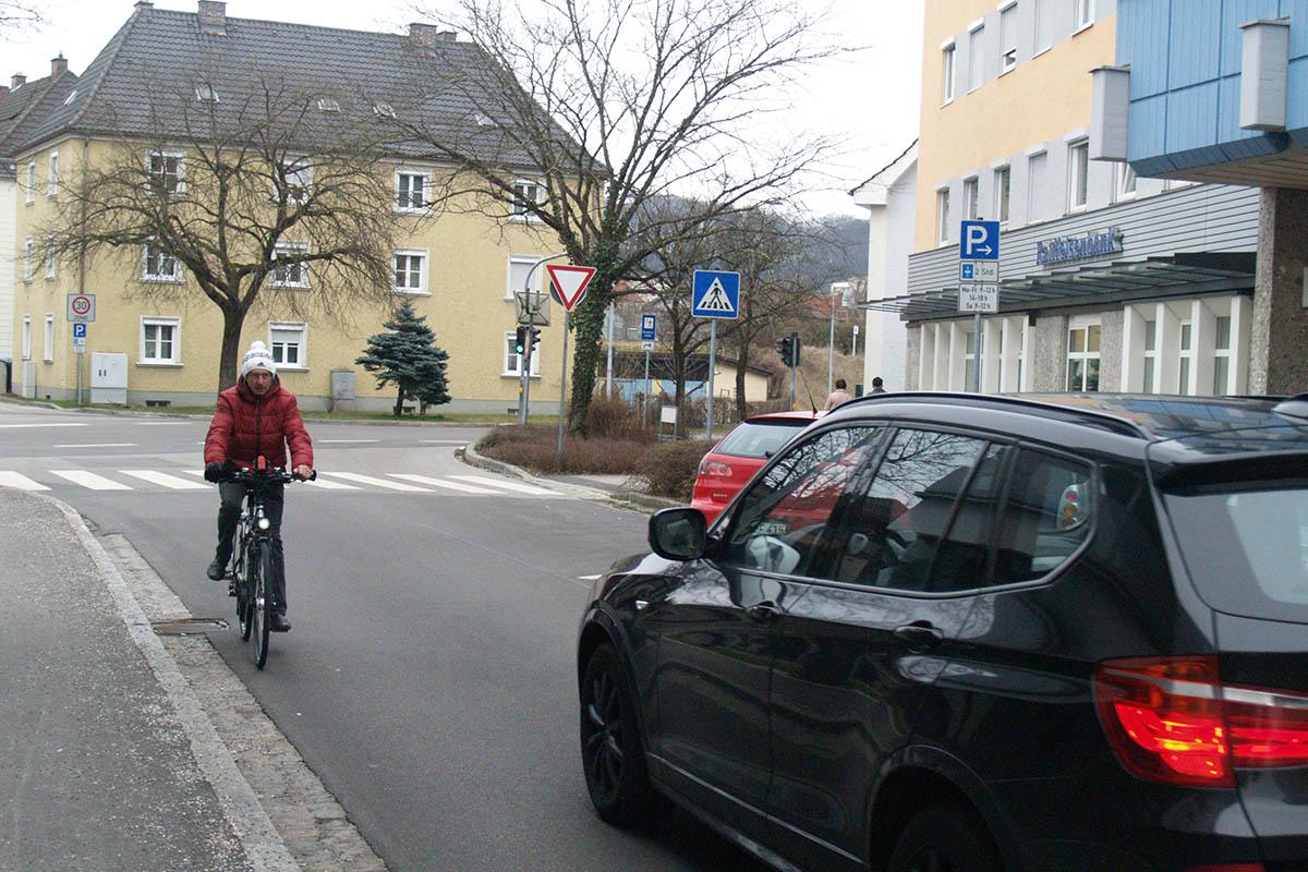 Radfahrer dürfen in der Gabelsbergerstraße entgegen der Fahrtrichtung unterwegs sein.
