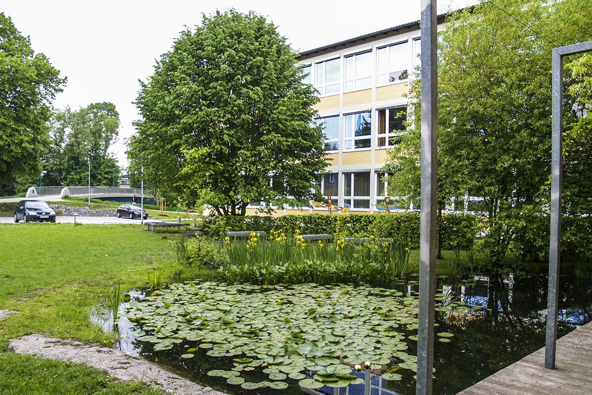 Blühfläche für den Ruhehof der Mittelschule