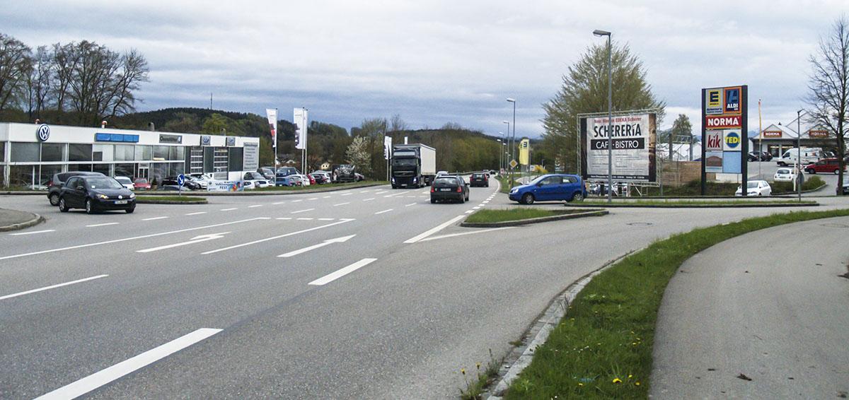 Staatliches Bauamt lehnt Kreisverkehr am Trostberger Feld ab.