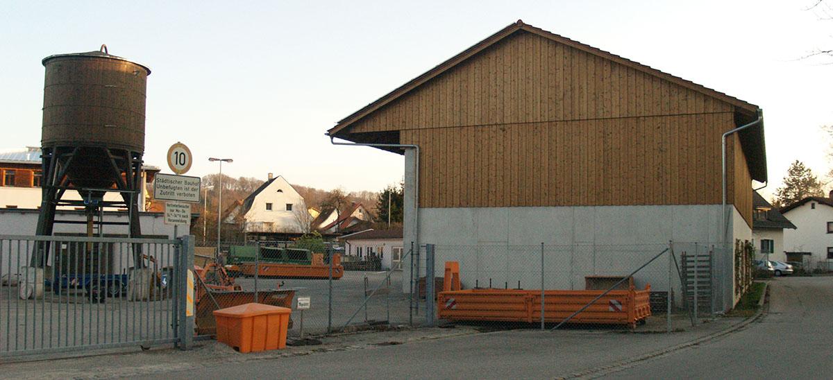 Die Salzhalle im Bauhof soll eine Lagerbühne bekommen.