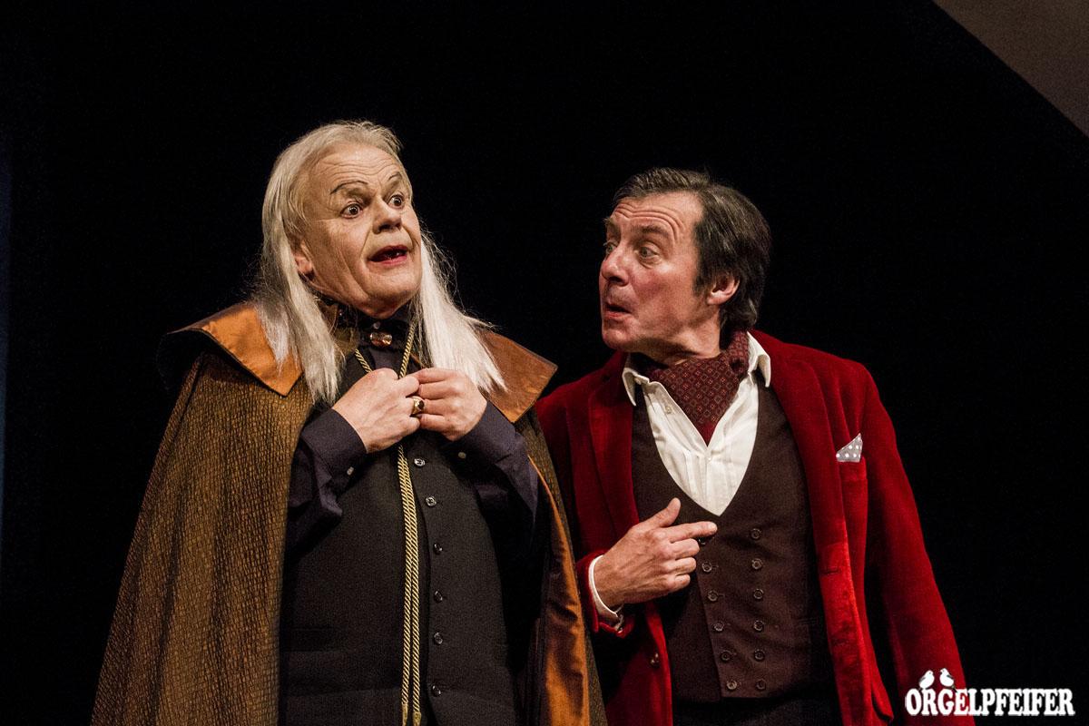 Simon Meyer als Mephisto und Gottfried Putz als Faust.