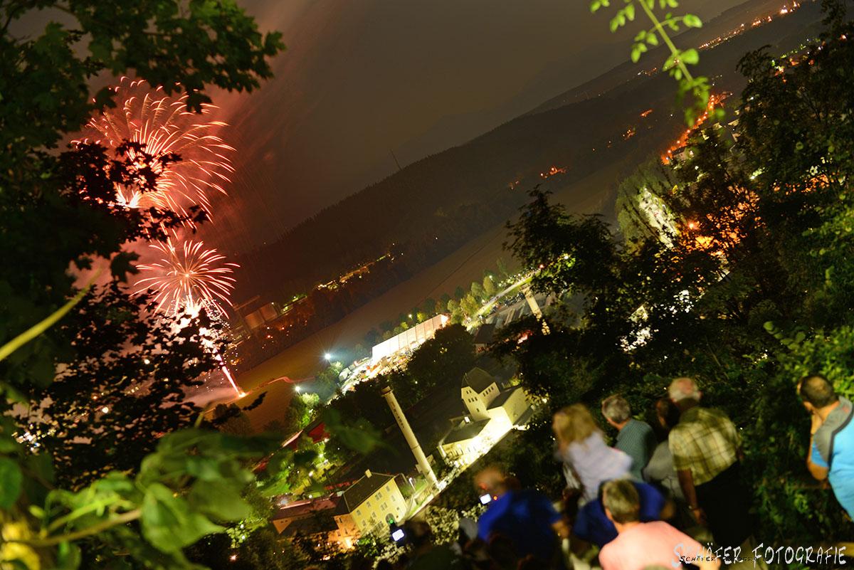 Feuerwerk zum Ausklang des Trostberger Volksfestes 2016